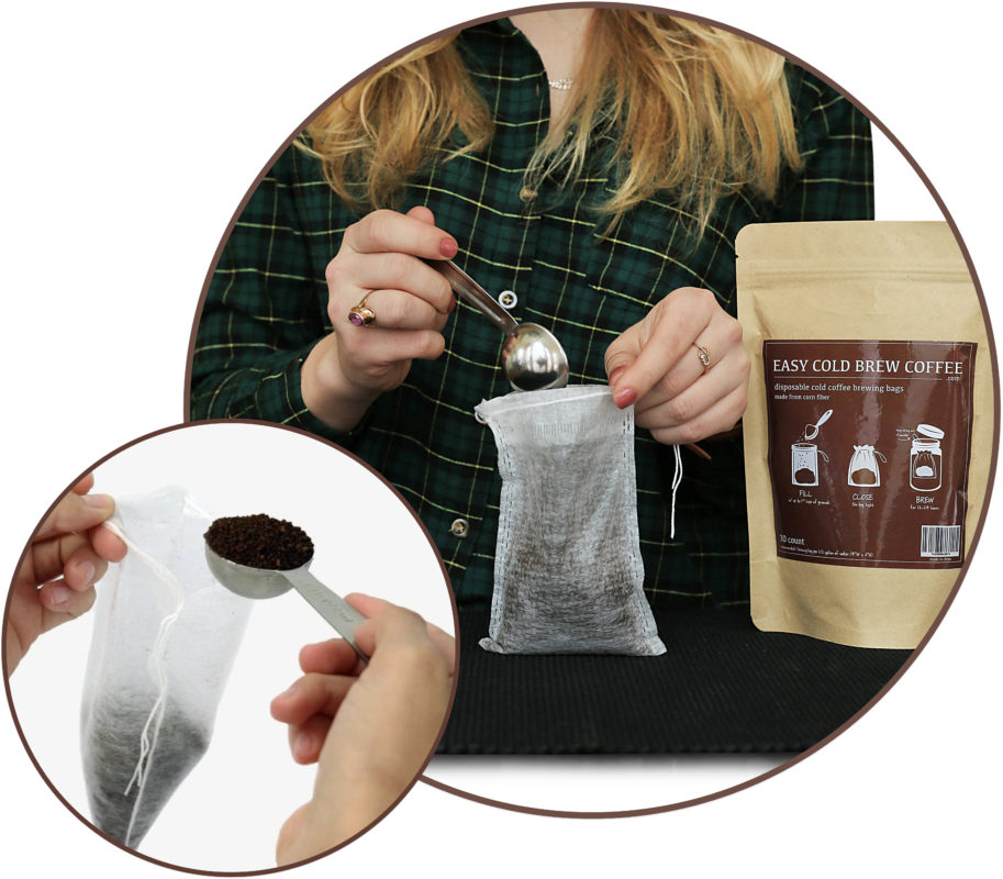 cold-brew-coffee-bag-filter-filling-grounds